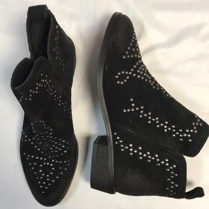 Sbicca black suede studded boots booties 7.5